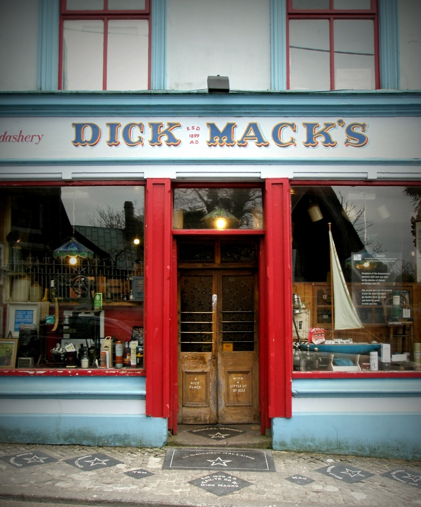 This pub alone is reason enough to come to Dingle! (Blog on this and other 'Spirit Grocery's in Dingle to come soon!)