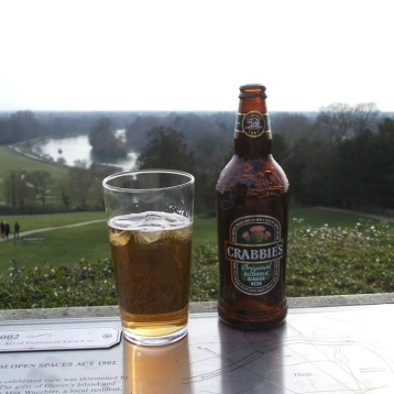 An afternoon of heaven, sitting a spell with a Crabbies on Richmond Hill.
