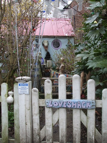 An artistic abode to found on Eel Pie Island