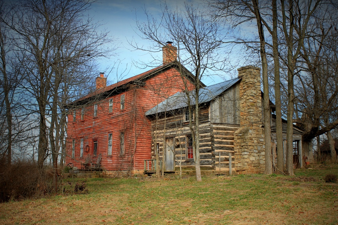 The simplistic beauty of this old homestead outside of Caledonia Missouri, and the history it holds inside and out. 1807 Farmhouse Antiques.